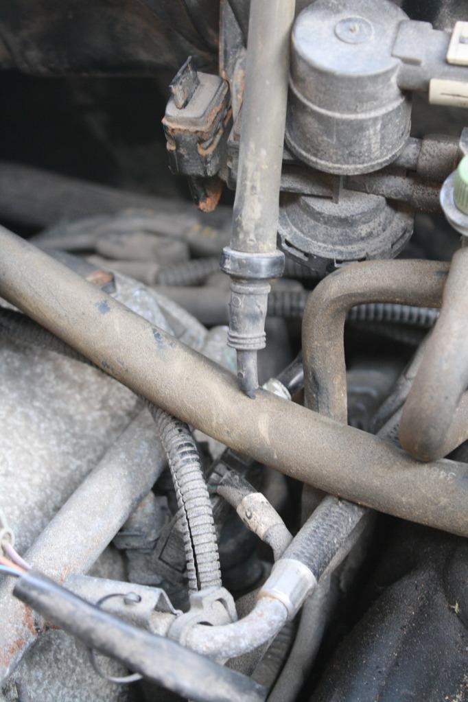Attachment on 2000 Dodge Durango Vacuum Lines